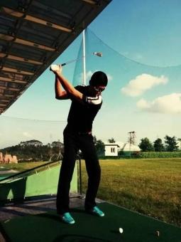 2.2009年中国高尔夫国家队男队见习教练,随队训练. 3.